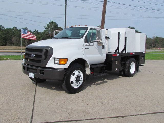 2007 Ford F750 Fuel - Lube Service Truck - 14110228 - 4