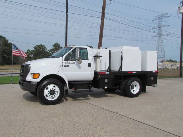 2007 Ford F750 Fuel - Lube Service Truck - 14110228 - 5
