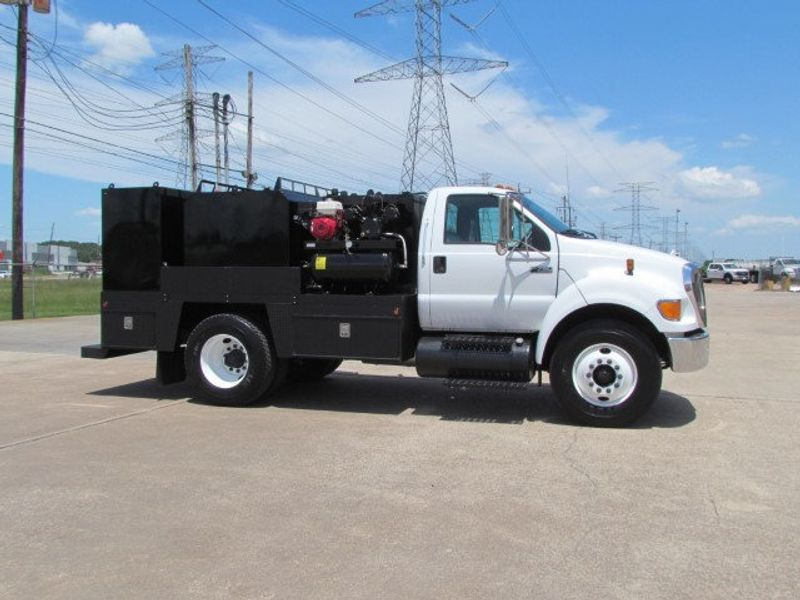 2007 Ford F750 Fuel - Lube Service Truck - 16545989 - 2