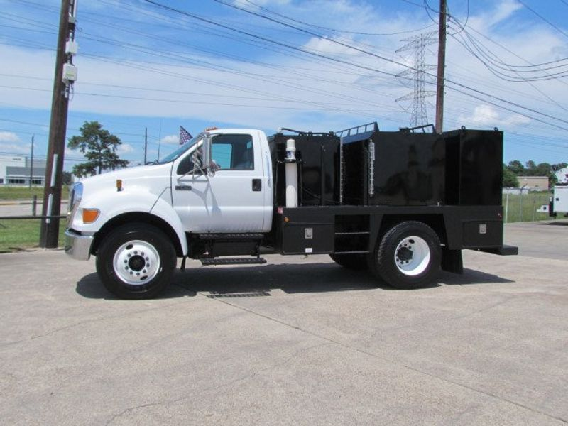 2007 Ford F750 Fuel - Lube Service Truck - 16545989 - 6