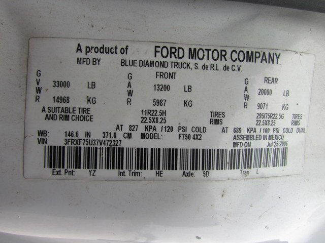 2007 Ford F750 Fuel - Lube Truck - 15807839 - 30