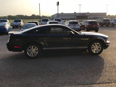 2007 Ford Mustang 2dr Coupe Deluxe - Click to see full-size photo viewer