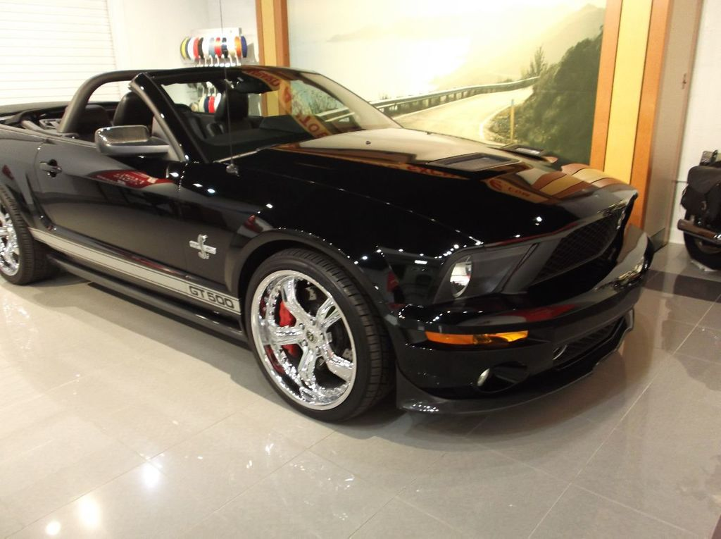 2007 Ford Mustang GT 500 Convertible 40th Anniversary 14k miles $85k plus invested - 18128923 - 6