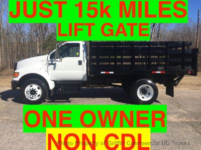 2007 Ford NON CDL F650/F750 SHORT RACK WITH LIFTGATE ONE OWNER! SUPER CLEAN!!
