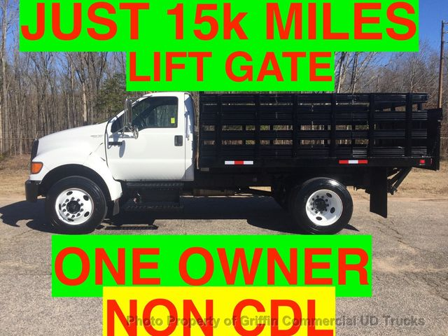 2007 Ford NON CDL F650/F750 SHORT RACK WITH LIFTGATE ONE OWNER! SUPER CLEAN!! PRE-EMISSION