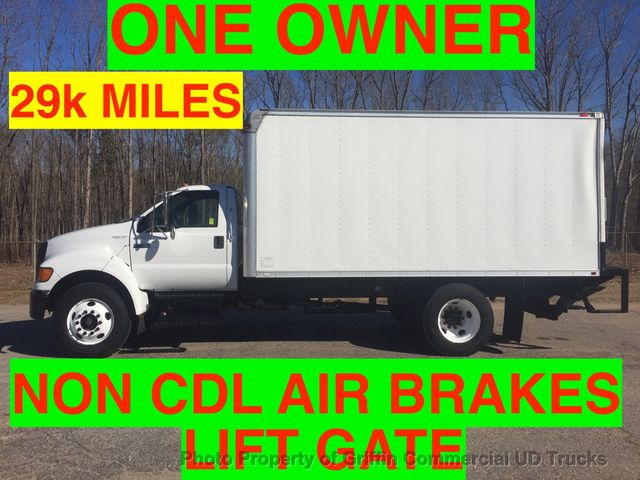 2007 Ford NON CDL F750/F650 JUST 29k MILES LIFT GATE NON CDL AIR BRAKES!! ONE OWNER VA TRUCK