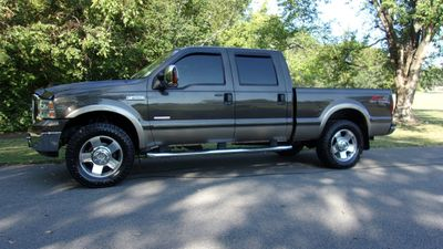 "2007 Ford Super Duty F-250 4WD Crew Cab 156"" Lariat - Click to see full-size photo viewer"