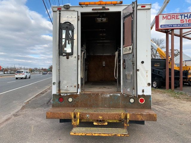2007 GMC C-5500 13 FOOT ENCLOSED SERVICE TRUCK WITH OVERHANG - 18323353 - 9