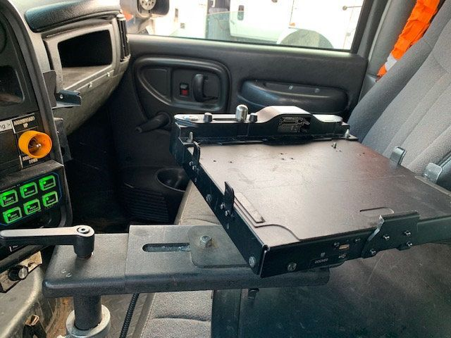 2007 GMC C-5500 13 FOOT ENCLOSED SERVICE TRUCK WITH OVERHANG - 18323353 - 37