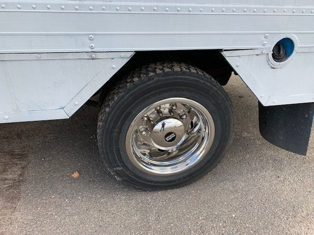 2007 GMC C-5500 13 FOOT ENCLOSED SERVICE TRUCK WITH OVERHANG - 18323353 - 45