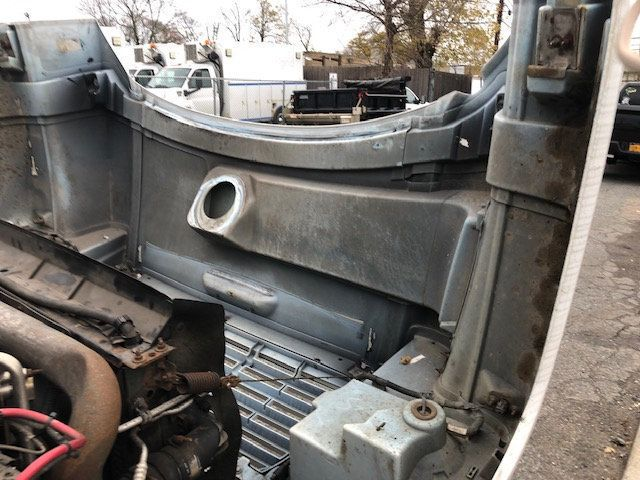 2007 GMC C-5500 13 FOOT ENCLOSED SERVICE TRUCK WITH OVERHANG - 18323353 - 49