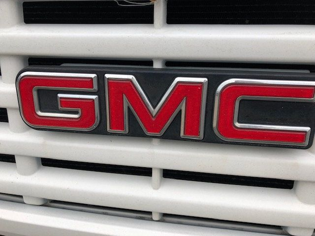 2007 GMC C-5500 13 FOOT ENCLOSED SERVICE TRUCK WITH OVERHANG - 18323353 - 53