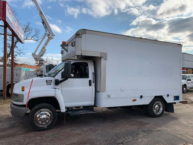 2007 GMC C-5500 13 FOOT ENCLOSED SERVICE TRUCK WITH OVERHANG - 18323353 - 5