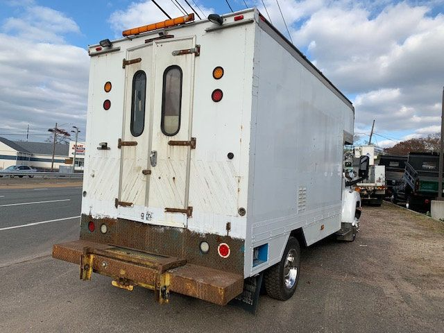 2007 GMC C-5500 13 FOOT ENCLOSED SERVICE TRUCK WITH OVERHANG - 18323353 - 7