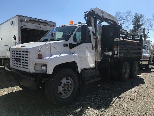 2007 GMC C-8500 TANDEM 10 YARD DUMP TRUCK WITH KNUCKLE BOOM CLAM SHELL BUCKET - 17549669 - 3