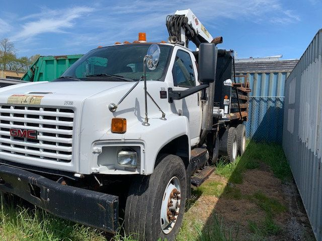 2007 GMC C-8500 TANDEM 10 YARD DUMP TRUCK WITH KNUCKLE BOOM CLAM SHELL BUCKET - 17549669 - 4
