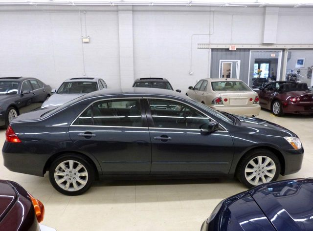 Delightful 2007 Honda Accord Sedan 4dr V6 Automatic LX SE   Click To See Full Size