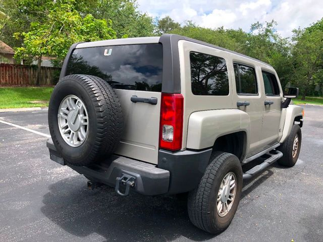 2007 HUMMER H3 4WD 4dr SUV - Click to see full-size photo viewer