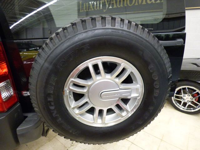 2007 HUMMER H3 5 SPEED MANUAL NEW CALIPER BRAKES ROTORS FULL SERVICE JUST DONE - Click to see full-size photo viewer