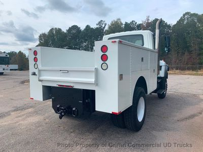 2007 International AWD UTILITY JUST 23k MILES NON CDL AIR BRAKES PRE EMISSION DIESEL!!  SPICER MANUAL 7 SPEED!! - Click to see full-size photo viewer