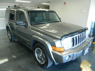 2007 Jeep Commander 2007 JEEP COMMANDER 4WD SPORT W/THIRD ROW LEATHER ROOF 4X4 - Click to see full-size photo viewer