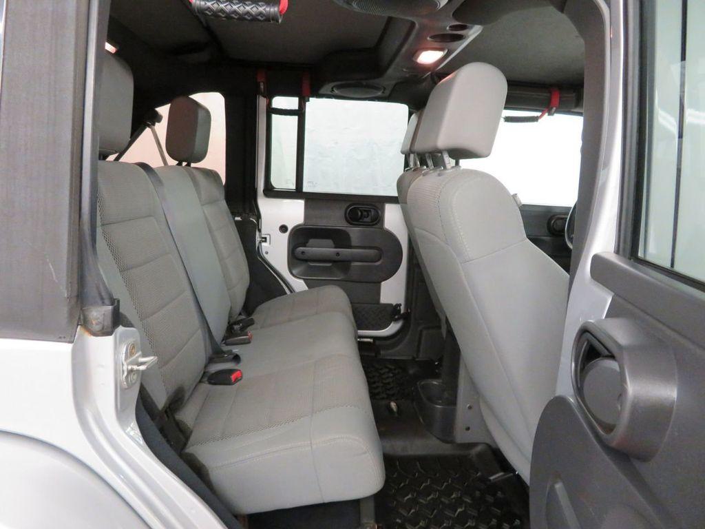 2007 Jeep Wrangler 4WD 4dr Unlimited Sahara - 18370052 - 13