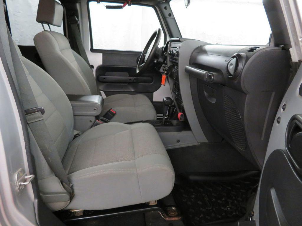 2007 Jeep Wrangler 4WD 4dr Unlimited Sahara - 18370052 - 14