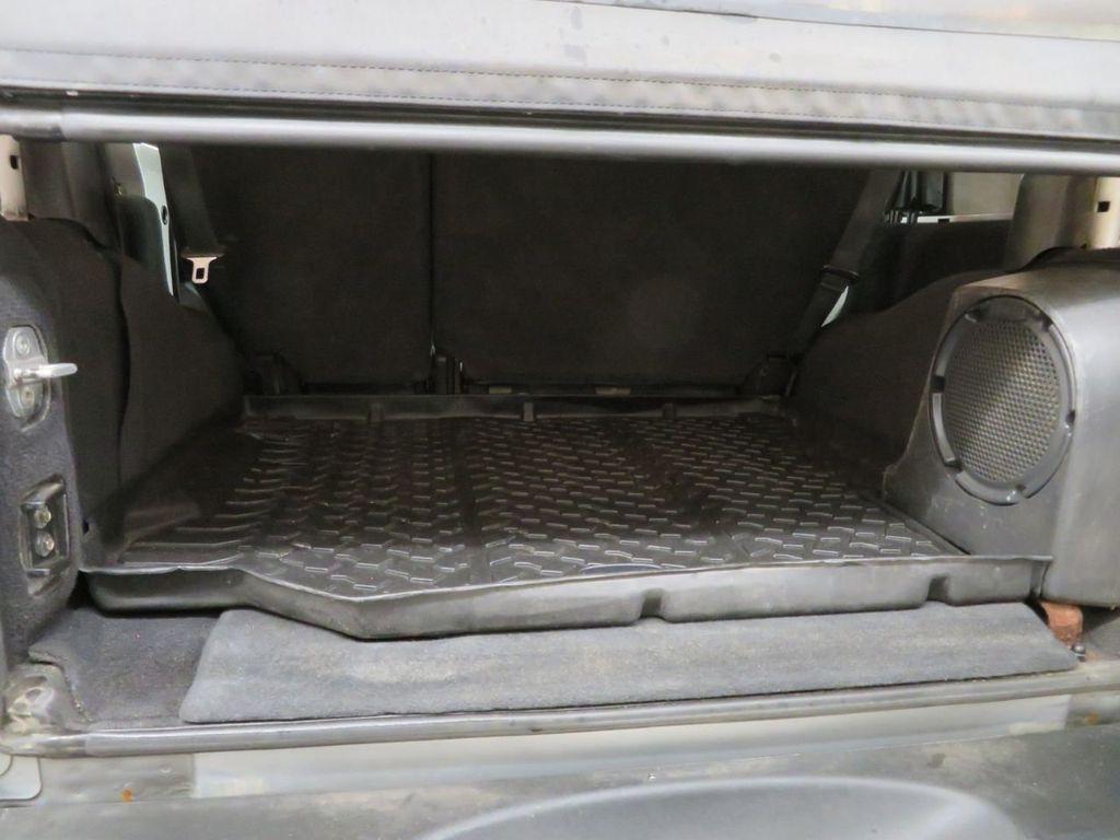 2007 Jeep Wrangler 4WD 4dr Unlimited Sahara - 18370052 - 15