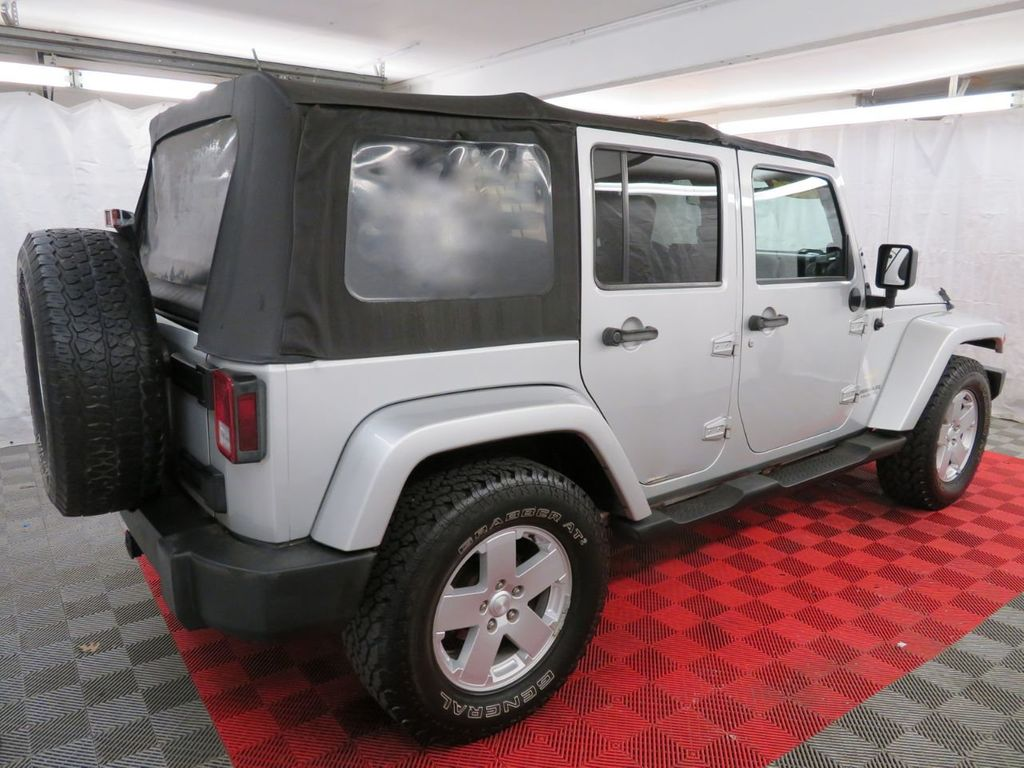 2007 Jeep Wrangler 4WD 4dr Unlimited Sahara - 18370052 - 3