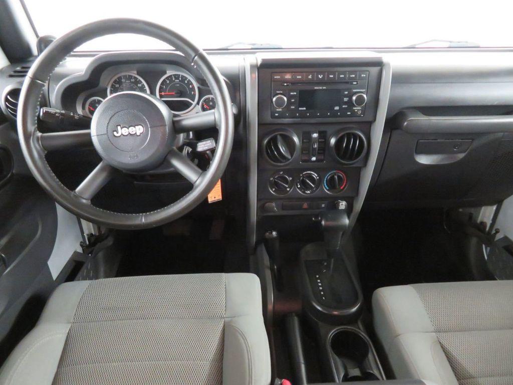 2007 Jeep Wrangler 4WD 4dr Unlimited Sahara - 18370052 - 5