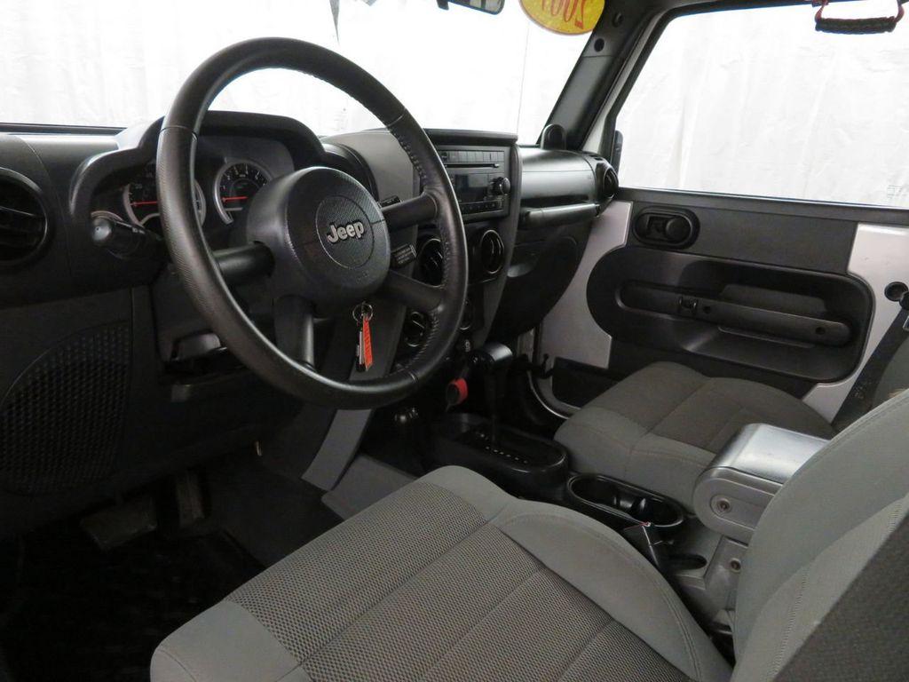 2007 Jeep Wrangler 4WD 4dr Unlimited Sahara - 18370052 - 7