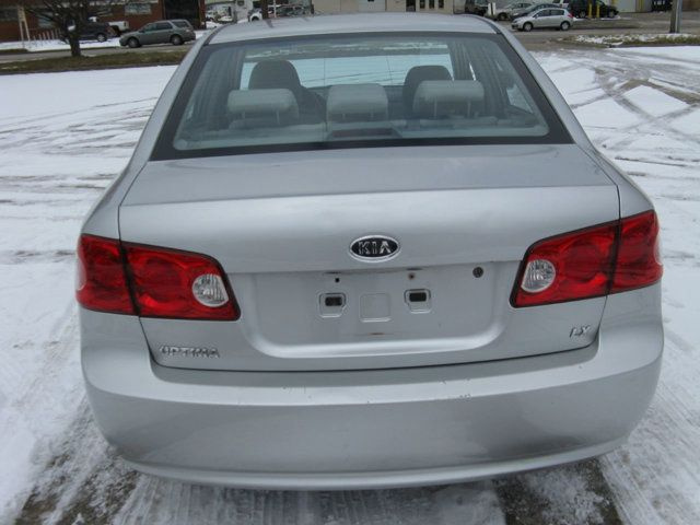 2007 Kia Optima FRESH TRADE IN RUNS GREAT! CALL 1-800-882-2407 Sedan - KNAGE123775139971 - 5