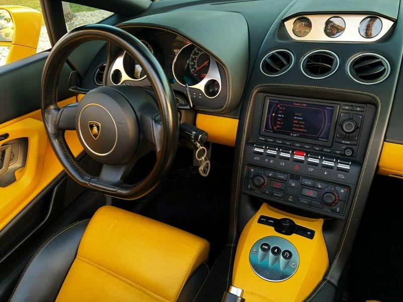 2007 Lamborghini Gallardo 2dr Convertible - 14905654 - 16