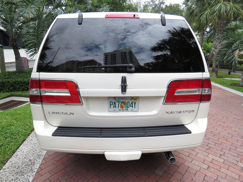 2007 Lincoln Navigator 2WD 4dr Ultimate - 15148450 - 9