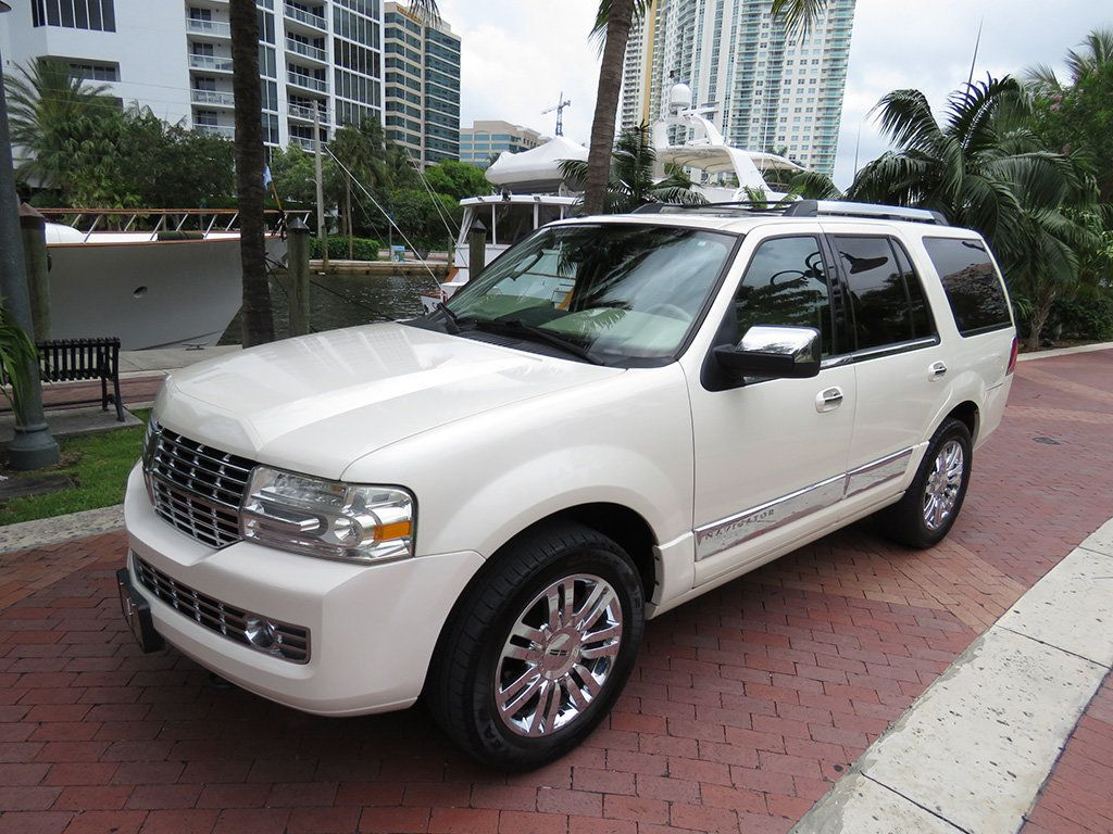 Used Lincoln Navigator for Sale - Special Offers | Edmunds