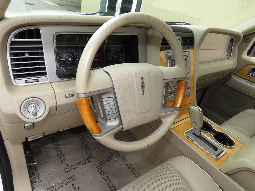 2007 Lincoln Navigator 2WD 4dr Ultimate - 15148450 - 30