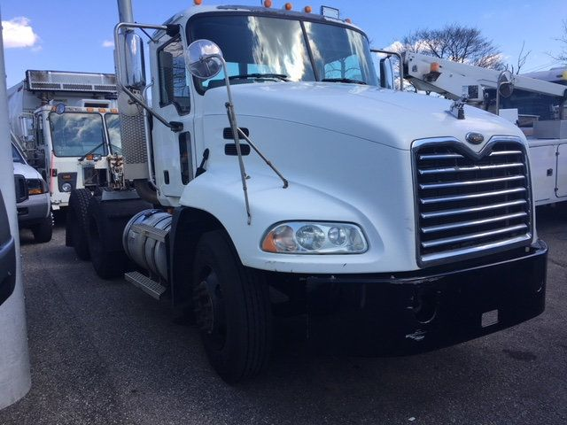 2007 Mack VISION 613 CXN TANDEM AXLE TRACTOR - 18706728 - 2
