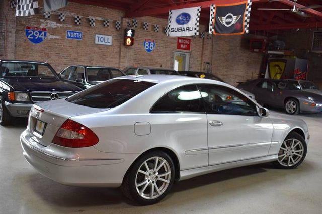 2007 Mercedes Benz Clk Clk350 2dr Coupe 3 5l Wdbtj56h37f219917 1