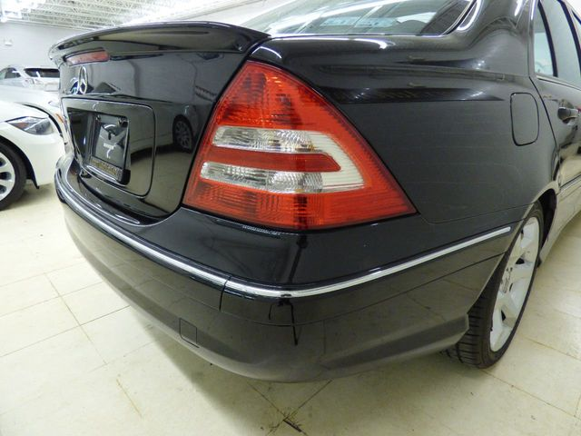 2007 Mercedes-Benz C-Class C230 4dr Sedan 2.5L Sport RWD - Click to see full-size photo viewer