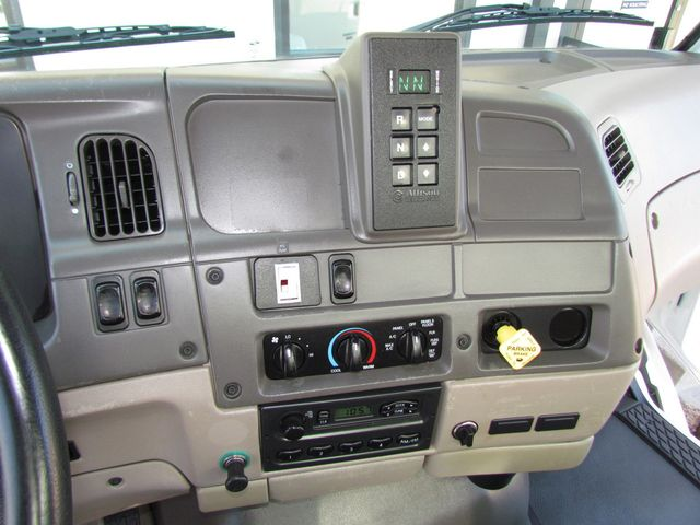 2007 Sterling L7500 Lube Service Truck - 15141803 - 19