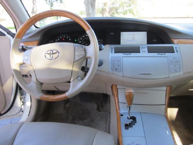 2007 Toyota Avalon XLS - 9816558 - 13