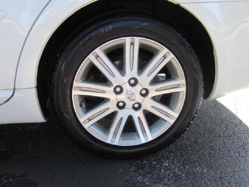 2007 Toyota Avalon XLS - 9816558 - 19