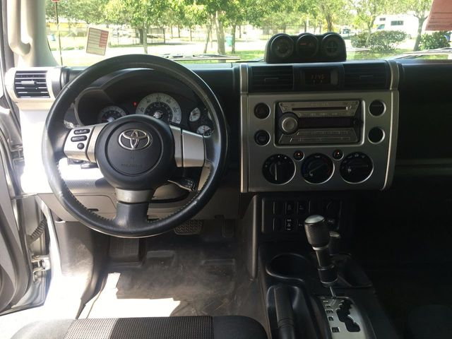 2007 Toyota FJ Cruiser 4WD 4dr Automatic - Click to see full-size photo viewer