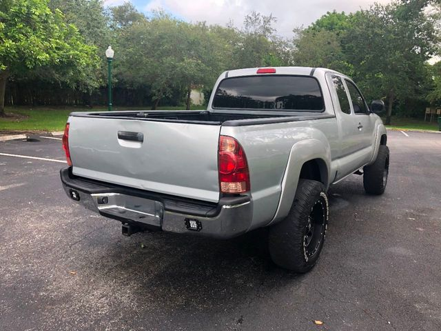 2007 Toyota Tacoma 2WD Access V6 MT PreRunner - Click to see full-size photo viewer