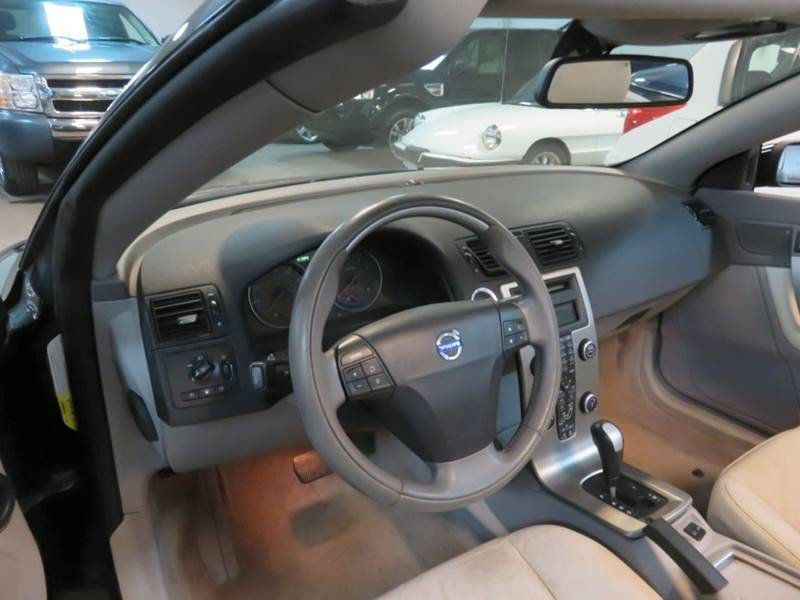2007 Used Volvo C70 T5 / TURBO / CONVERTIBLE at Contact Us