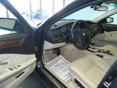 2008 BMW 5 Series 2008 BMW 535XI AWD LUXURY SEDAN WITH NAVI AND SUNROOF - Click to see full-size photo viewer