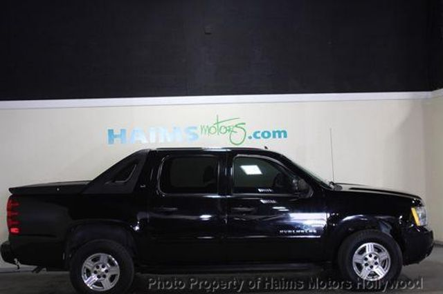 2008 used chevrolet avalanche 1500 ls at haims motors. Black Bedroom Furniture Sets. Home Design Ideas
