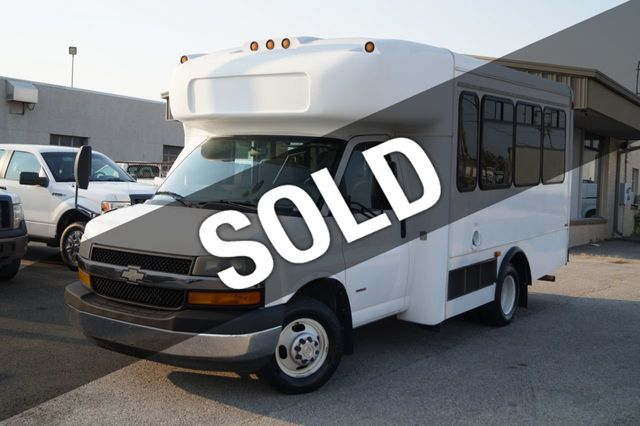 2008 Chevrolet Express Commercial Cutaway 2008 CHEVROLET EXPRESS PASSENGER BUS DURAMAX WHEEL CHAIR LIFT - 16860529 - 0