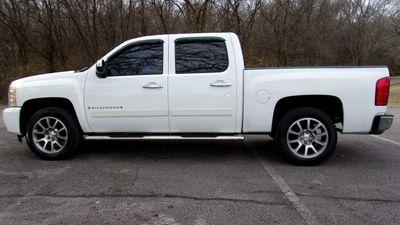 """2008 Chevrolet Silverado 1500 2WD Crew Cab 143.5"""" LT w/1LT Truck"""