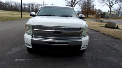 """2008 Chevrolet Silverado 1500 2WD Crew Cab 143.5"""" LT w/1LT - Click to see full-size photo viewer"""